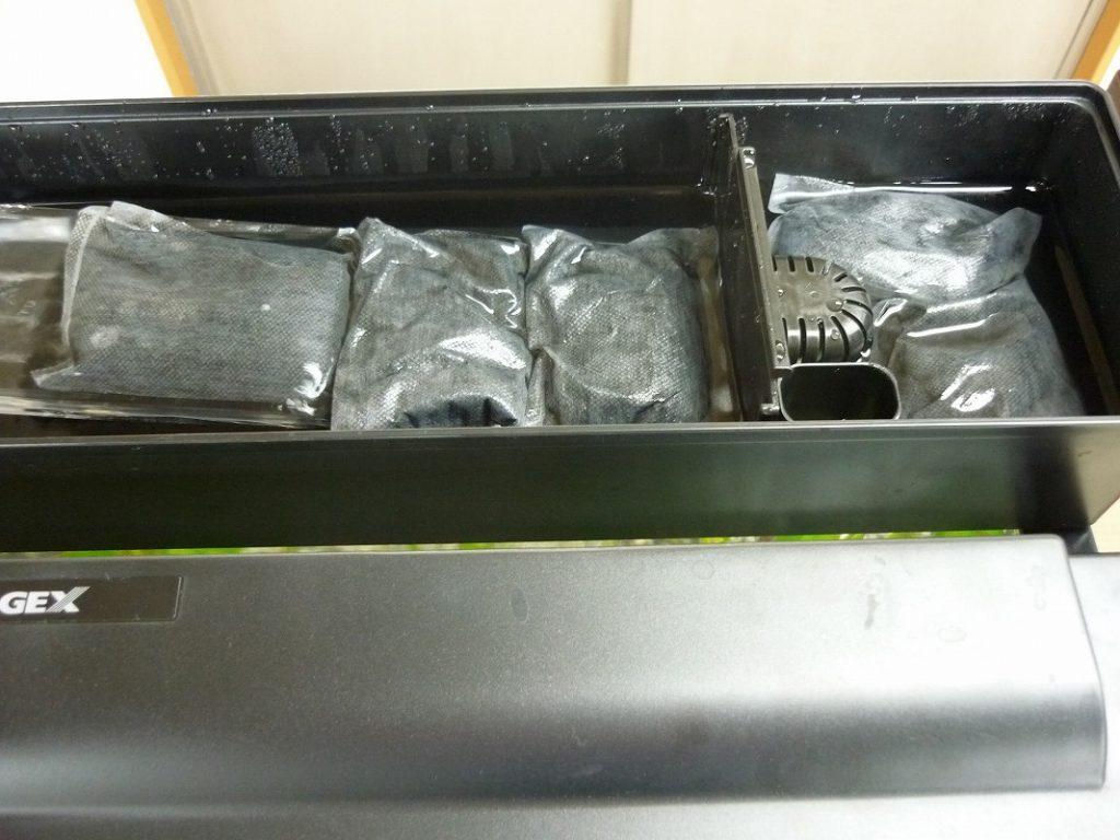 水槽の匂い、汚れ解消 清潔感のある水槽